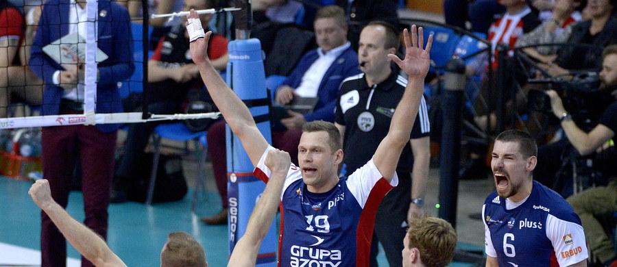 Siatkarze z Kędzierzyna-Koźla po raz szósty zostali mistrzami Polski. W trzecim meczu finałowym ZAKSA pokonała w Rzeszowie broniący tytułu zespół Asseco Resovii 3:0 i w rywalizacji play off zwyciężyła 3-0. Poprzednio ekipa z Kędzierzyna-Koźla, startująca wówczas pod szyldem Mostostalu Azotów, triumfowała w lidze w roku 1998 oraz w latach 2000-2003.