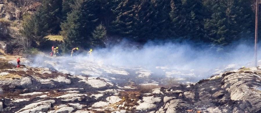 Nie odnaleziono nikogo żywego po katastrofie śmigłowca, który z 13 osobami na pokładzie rozbił się na niewielkiej wyspie Turoy w pobliżu Bergen w południowo-zachodniej Norwegii - poinformowała norweska policja. Śmigłowiec leciał do Bergen z wydobywającej ropę i gaz spod dna Morza Północnego platformy Gullfaks B.