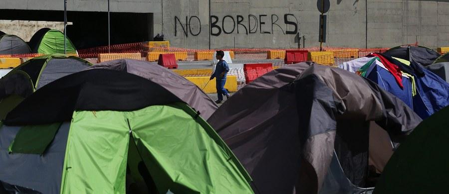 """Kraj, który odmówi przyjęcia uchodźców, będzie musiał zapłacić nawet do 250 tysięcy euro kary za każdego z nich - o takiej propozycji Komisji Europejskiej, która ma zostać przedstawiona w środę, pisze włoski dziennik """"La Stampa""""."""