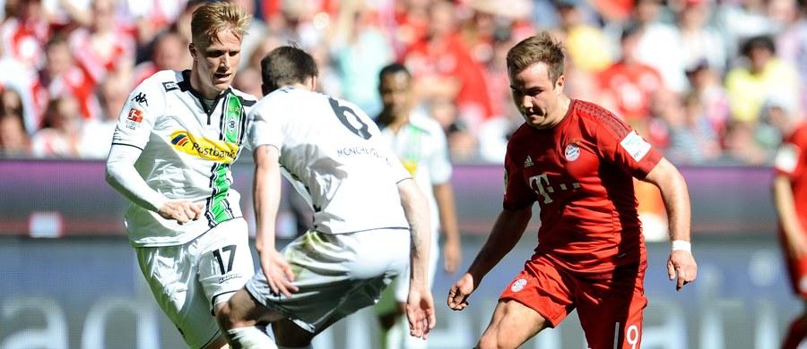 Piłkarze i kibice Bayernu Monachium nie mogą jeszcze świętować zdobycia czwartego z rzędu mistrzostwa Niemiec. A wszystko z powodu remisu z Borussią Moenchengladbach 1:1. Robert Lewandowski cały mecz przesiedział na ławce rezerwowych.