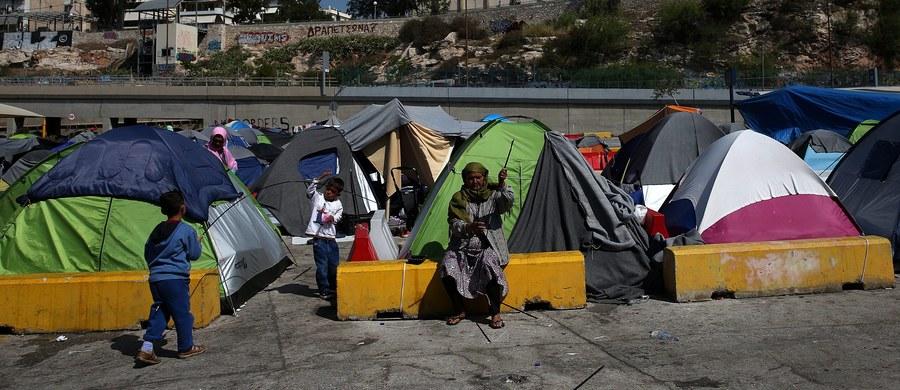 Premier Turcji Ahmet Davutoglu poinformował, że w ramach porozumienia zawartego z Unią Europejską, mającego na celu ograniczenie napływu migrantów do państw unijnych, Turcja przyjęła około 20 Syryjczyków.