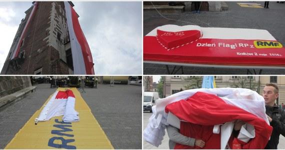 Tego jeszcze nie było! Po raz pierwszy historii na czterech ścianach wieży ratuszowej na krakowskim Rynku Głównym zawisły cztery wielkie biało-czerwone flagi. W ten właśnie sposób uczciliśmy - wspólnie z Wami - Dzień Flagi Rzeczpospolitej.