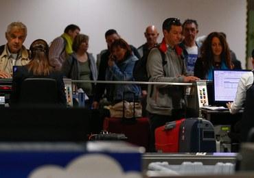 Chaos i długie kolejki na lotnisku w Brukseli. W marcu był tam zamach bombowy