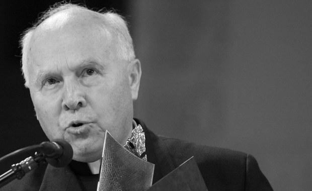 Tadeusz Gocłowski – arcybiskup senior archidiecezji gdańskiej, uczestnik rozmów w Magdalence, członek Rady Stałej Episkopatu Polski, kawaler Orderu Orła Białego, zmarł we wtorek 3 maja w Gdańsku po ciężkiej chorobie.