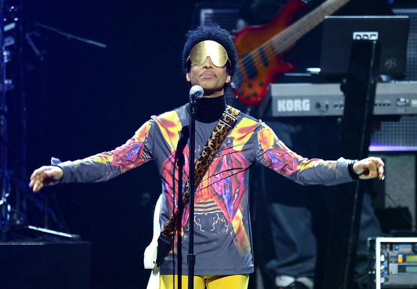 Po niespodziewanej śmierci Prince'a trwa sprawdzanie pozostawionego przez niego dorobku muzycznego.