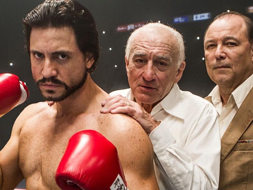"""Amerykański gwiazdor Robert De Niro przyjedzie na tegoroczny festiwal w Cannes na specjalny pokaz filmu """"Hands of Stone"""". W obrazie nakręconym przez wenezuelskiego reżysera Jonathana Jakubowicza, aktor zagrał trenera legendarnego boksera Roberta Durana."""
