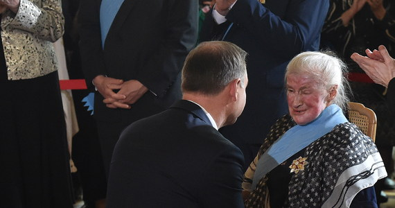 Wczoraj z rąk prezydenta Andrzeja Dudy otrzymała Order Orła Białego. Jest też honorowym obywatelem Lublina i kilku innych miast, ale radni Krakowa i kuria krakowska wciąż jej docenić nie chcą.