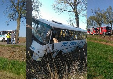 Wypadek autobusu w Warmińsko-Mazurskiem. 10 osób jest rannych