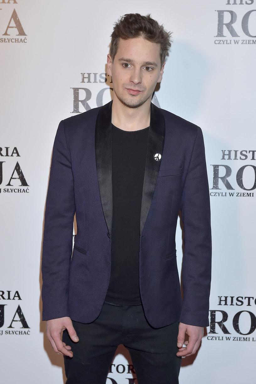 """Krzysztof Zalewski zaprezentował singel """"Luka"""", który zapowiada jego nową solową płytę."""