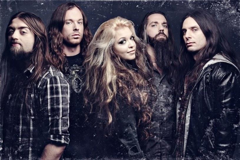 Kanadyjska grupa The Agonist podpisała kontrakt z nowym wydawcą.