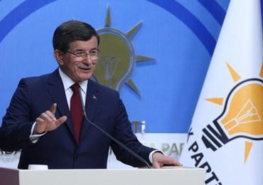 """Davutoglu przestanie być premierem Turcji. """"Nie wynik wyboru, lecz konieczności"""""""