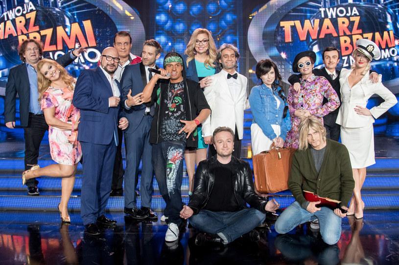 """Przed nami przedostatni odcinek programu """"Twoja Twarz Brzmi Znajomo"""". W sobotę, 7 maja, późnym wieczorem dowiemy się, kto zaśpiewa w wielkim finale."""