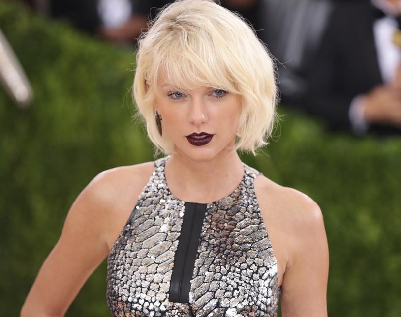 Magazyn Billboard opublikował listę najlepiej opłacanych gwiazd muzyki w 2015 roku. Na szczycie zestawienia znalazła się bezkonkurencyjna Taylor Swift.