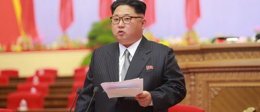 Zdjęcia satelitarne z 5 maja wskazują, że Korea Północna może w najbliższym czasie przeprowadzić piątą próbę jądrową - poinformował amerykański ośrodek 38 North, monitorujący działania reżimu w Pjongjang. Zdjęcia pokazują wzmożoną aktywność na północnokoreańskim poligonie atomowym.