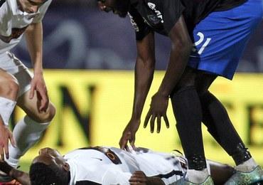 """Piłkarz zmarł na boisku podczas meczu. """"Smutny dzień dla piłki nożnej"""""""