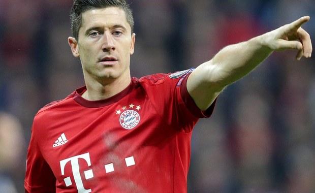 Bayern Monachium zdobył rekordowy, czwarty z rzędu tytuł mistrzów Niemiec! W przedostatniej kolejce niemieckiej Bundesligi Bawarczycy wygrali na wyjeździe 2:1 z Ingolstadt. Obie bramki dla ekipy z Monachium zdobył Robert Lewandowski.