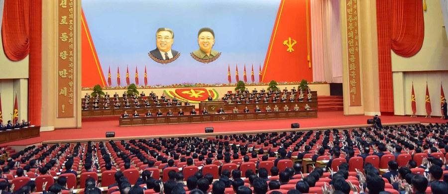 Przywódca Korei Płn. Kim Dzong Un przedstawił pięcioletni plan rozwoju gospodarczego kraju - informują miejscowe media. Zapowiedział też, że Pjongjang nie użyje broni nuklearnej jako pierwszy, jeżeli jego suwerenność nie zostanie naruszona.