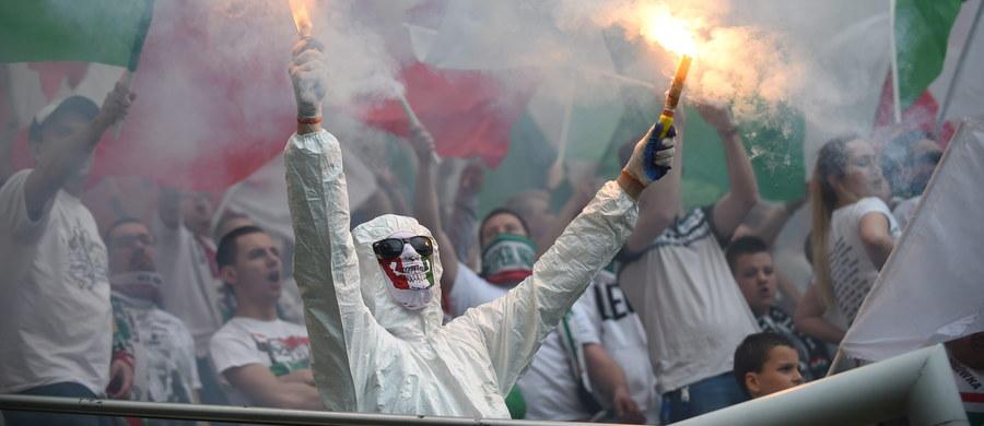 Niespokojnie w stolicy było przed ligowym pojedynkiem Legii Warszawa z Piastem Gliwice. Do przepychanek między warszawską policją a sympatykami śląskiej drużyny doszło już na dworcu kolejowym Warszawa Zachodnia. Informację dostaliśmy od Was na Gorącą Linię RMF FM.