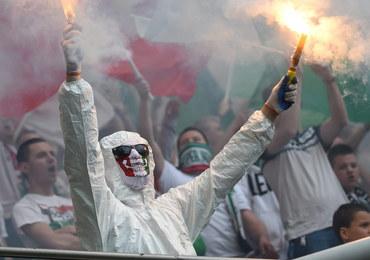 Przepychanki policji z kibicami przed meczem Legia Warszawa-Piast Gliwice