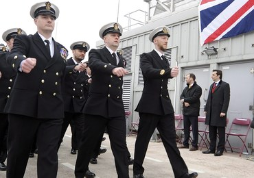 Oficer Royal Navy wstąpił w szeregi ISIS. Eksperci ostrzegają, że terroryści mogą zaatakować statki