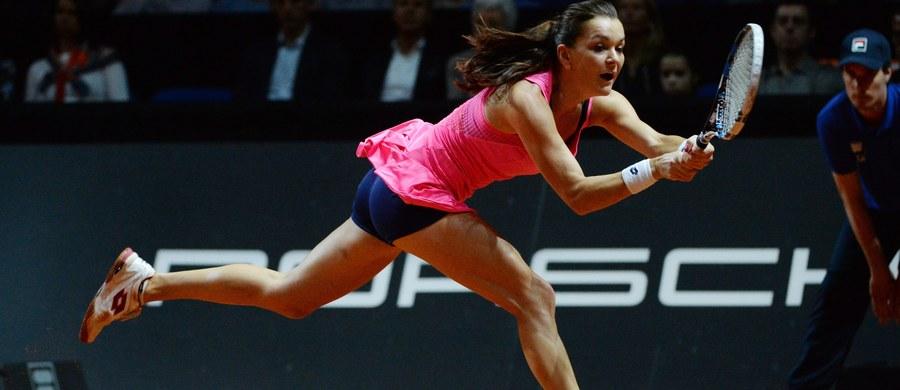 Agnieszka Radwańska spadła na trzecie miejsce w tenisowym rankingu WTA Tour. Liderką jest Amerykanka Serena Williams, a na drugą pozycję kosztem Polki awansowała triumfatorka tegorocznego Australian Open Niemka polskiego pochodzenia Angelique Kerber.