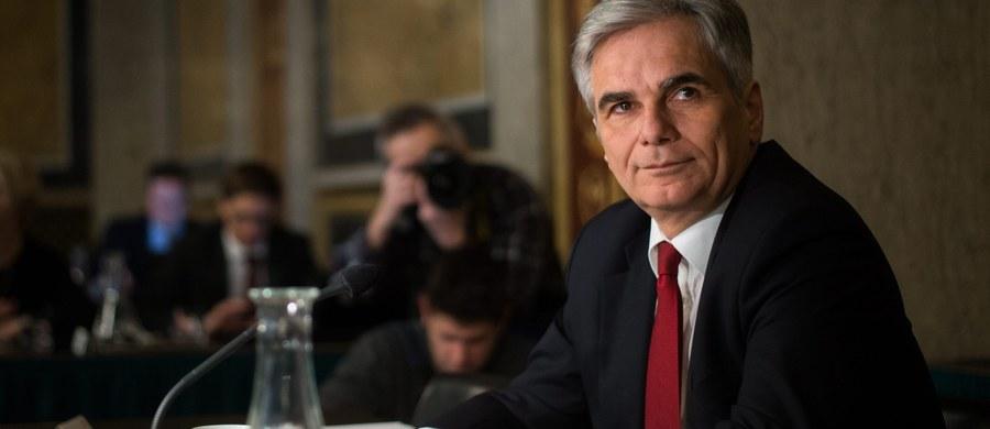 Werner Faymann ustąpił ze stanowiska kanclerza Austrii i przewodniczącego Socjaldemokratycznej Partii Austrii (SPOe). W wydanym oświadczeniu poinformował, że powodem rezygnacji jest utrata mocnego poparcia partii dla jego linii politycznej.