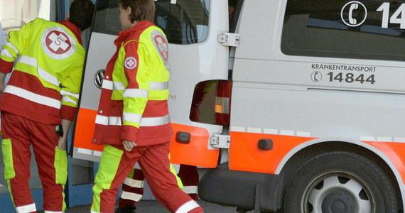 Wypadek polskiego autokaru w Austrii, niedaleko granicy ze Słowacją. 11 osób trafiło do szpitala. Na obserwacji zostało dwoje pasażerów.