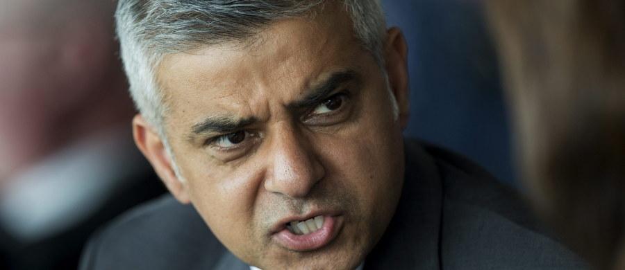 Na nowym burmistrzu Londynu Sadiqu Khanie nie zrobiło wrażenia zasugerowanie przez Donalda Trumpa, że można by go wyłączyć z proponowanego tymczasowego zakazu wjazdu muzułmanów na terytorium USA - informuje AP. Khan zarzucił Trumpowi ignorancję.
