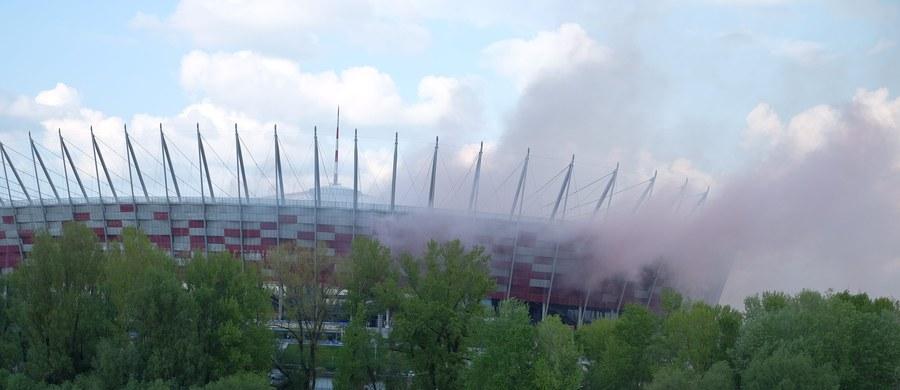 Koszty zniszczeń po finale Pucharu Polski Lech Poznań-Legia Warszawa na Stadionie Narodowym mogą przekroczyć nawet 200 tysięcy złotych – dowiedział się reporter RMF FM. Wcześniej podawano, że ta kwota będzie dwa razy niższa.