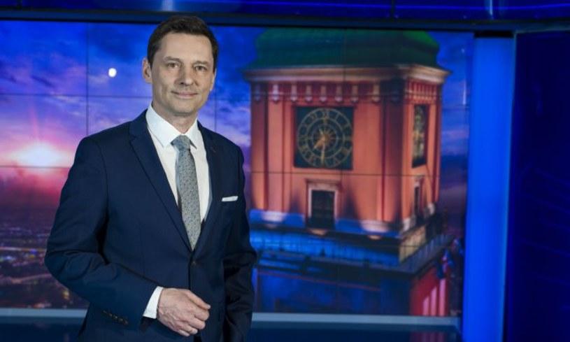 """Ponad 1,2 mln widzów - o tyle różni się widownia poniedziałkowego wydania """"Wiadomości"""" wyłaniająca się z dwóch pomiarów. Ile osób faktycznie włączyło TVP1 w poniedziałkowy wieczór?"""