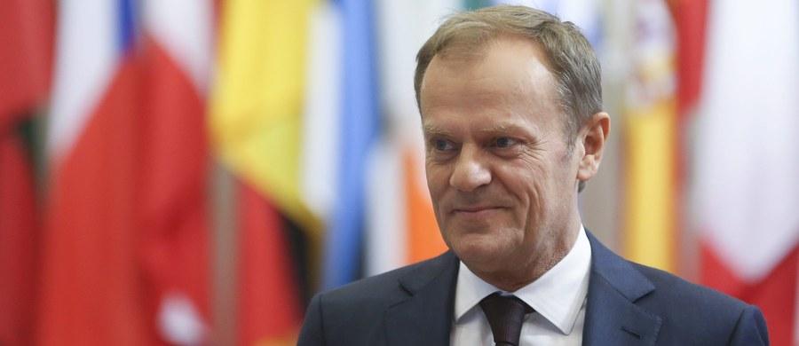 """""""Są trzy prawdy: świento prowda, tys prowda i audyt"""" - tak Donald Tusk skomentował raport nt. ośmiu lat rządów PO-PSL, zaprezentowany w Sejmie przez premier Beatę Szydło i jej ministrów."""