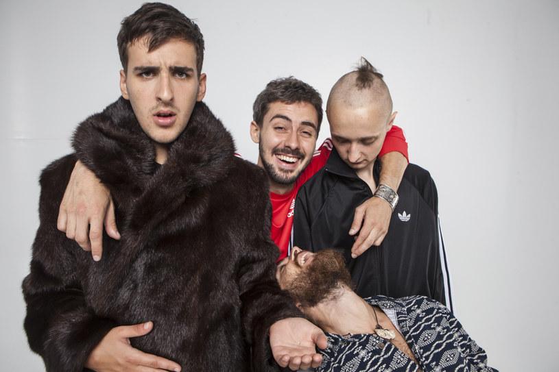 """Rockowa grupa Clock Machine wypuściła do sprzedaży swój drugi album - """"Love""""."""