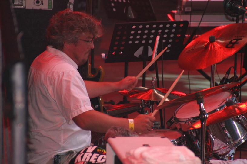 """5 lat temu, w nocy z 12 na 13 maja 2011 r. w wieku 46 lat zmarł Piotr """"Stopa"""" Żyżelewicz, ceniony perkusista znany z m.in. Voo Voo, Izraela i 2TM2,3."""