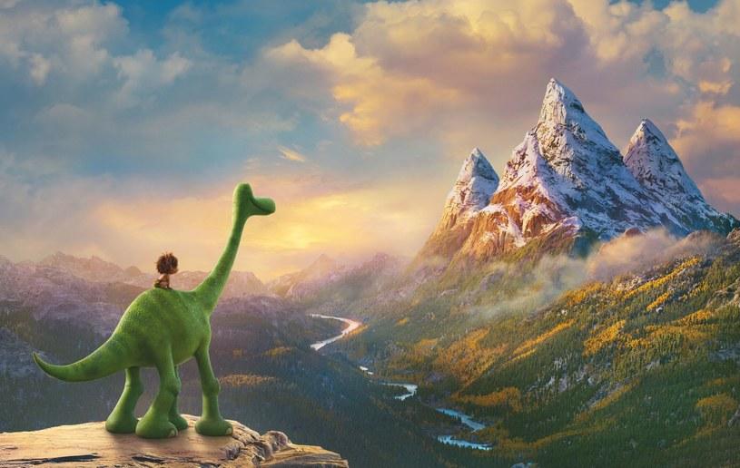 """""""Dobry dinozaur"""" - animowana produkcja studia Disney Pixar - to opowieść o potędze przyjaźni i walce z własnymi słabościami. Historia o niezwykłej przyjaźni w świecie dinozaurów debiutuje 13 maja na Blu-ray 3D, Blu-ray i DVD."""