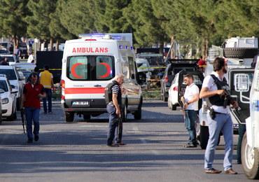 Turcja: Cztery osoby zginęły, 17 zostało rannych w eksplozji bomby