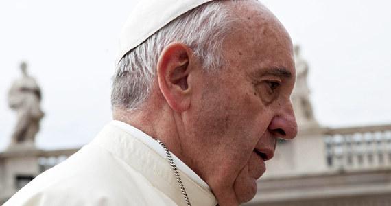 """Podczas ŚDM papież Franciszek być może pojedzie na krakowskie Błonia tramwajem. """"Rzeczywiście jest tak plan"""" – powiedział dziennikarzom dyrektor biura prasowego ŚDM ks. Adam Parszywka. Ojcu Świętemu mają w tej podróży towarzyszyć dzieci."""