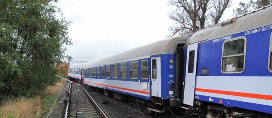 Nawet do soboty mogą potrwać utrudnienia na trasie kolejowej między Warszawą a Poznaniem. Powodem są uszkodzone urządzenia sterowania ruchem na stacji Ożarów Mazowiecki.