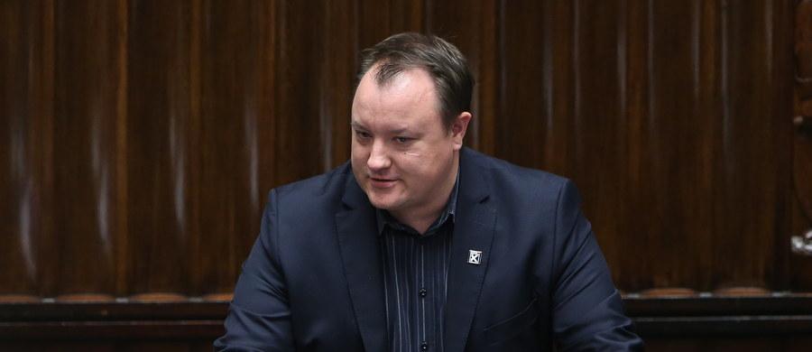 """""""Trzynastego w piątek przywracacie PRL"""". """"To czarny dzień dla polskich przedsiębiorstw"""". Przy takich głosach opozycji  i sprzeciwie branży, zajmującej się odpadami, Sejm przegłosował ustawę o zamówieniach publicznych."""