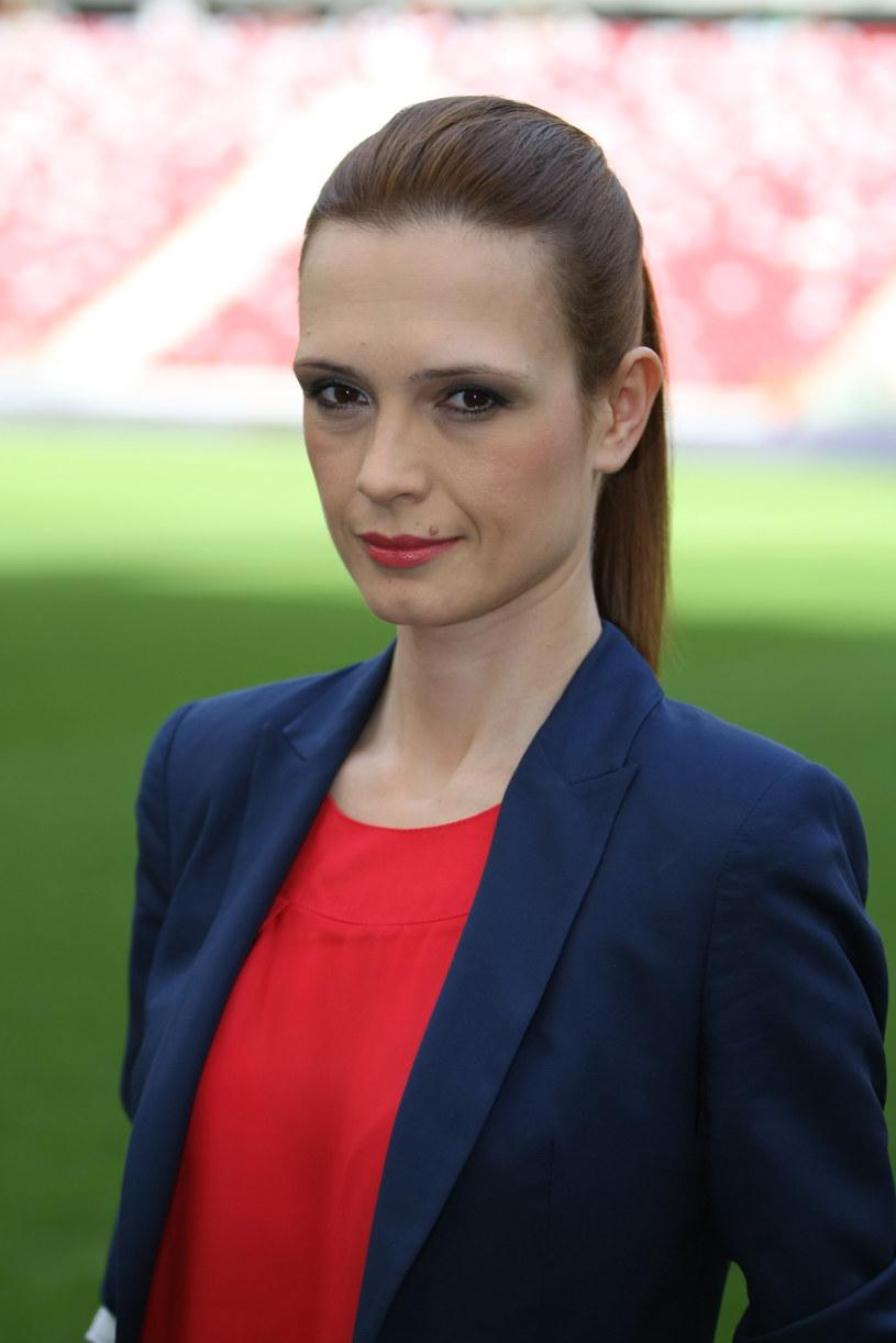 """To rok niezwykle dla niej ważny. Bo Paulina Chylewska, choć w TVP prowadzi wiele programów, jednak znana jest głównie jako """"pani od sportu"""". Teraz więc czeka na Euro oraz igrzyska olimpijskie."""