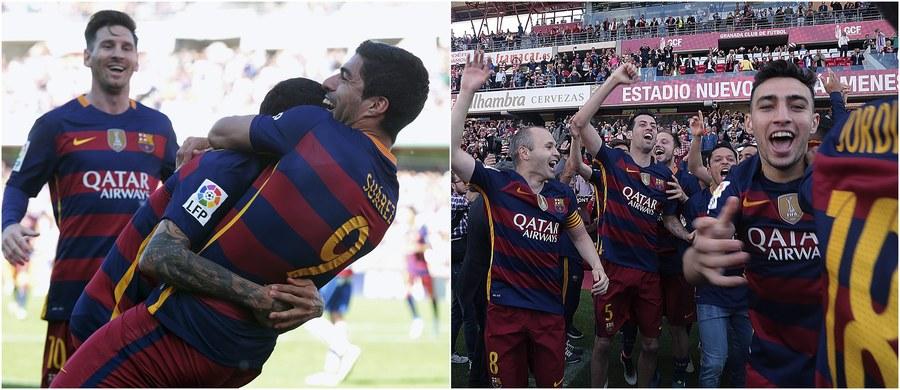 Piłkarze Barcelony po zwycięstwie nad Granadą 3:0 zdobyli po raz drugi z rzędu i 24. w historii mistrzostwo Hiszpanii. Wszystkie gole w tym spotkaniu strzelił Luis Suarez. Drugie miejsce zajął Real Madryt, który po dwóch bramkach Cristiano Ronaldo pokonał Deportivo La Coruna 2:0.