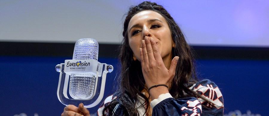 Euforia w Kijowie po zwycięstwie ukraińskiej piosenkarki Jamali w finale tegorocznego Konkursu Piosenki Eurowizji. Z kolei w rosyjskich mediach pojawiła się fala krytyki w związku ze sposobem głosowania podczas konkursu.