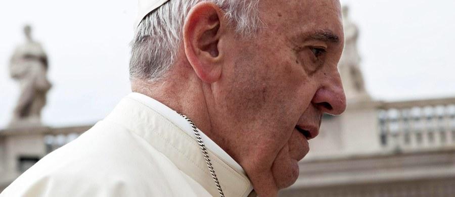 Siostrzeniec papieża Franciszka został napadnięty i okradzionych w stolicy Argentyny, Buenos Aires. Informację przekazała argentyńska agencja informacyjna Telam.
