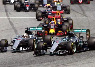 F1 w Barcelonie: Kraksa Hamiltona i Rosberga, najmłodszy zwycięzca w historii [FILM]
