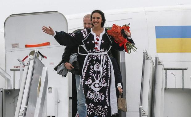 """Rosja nie może pogodzić się ze zwycięstwem Ukraińców na Eurowizji. """"Ukradli  nam zwycięstwo. Konkurs zamienili w polityczną trybunę"""" - pisze bulwarowa """"Komsomolskaja Prawda"""". Na Ukrainie z kolei politycy grożą, że na kolejny finał nie wpuszczą rosyjskich artystów, którzy popierają aneksję Krymu."""
