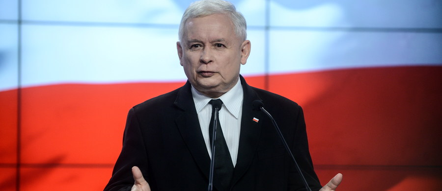 """Poseł PiS Małgorzata Wassermann jest """"bardzo poważnym kandydatem"""" na szefa komisji śledczej, która ma zostać powołana w Sejmie w celu wyjaśnienia afery Amber Gold - mówi prezes PiS Jarosław Kaczyński. Według niego powołanie komisji to kwestia tygodni. Prezes PiS poinformował też, że marszałek Sejmu zaprosił go na spotkanie w sprawie kompromisu wokół Trybunału Konstytucyjnego na jutro, na godz. 16."""