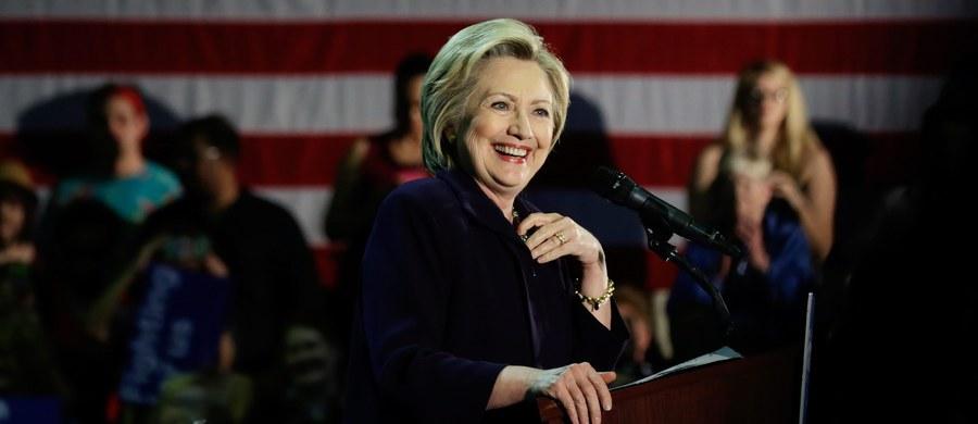 """Hillary Clinton zapowiedziała, że jeśli wygra wyścig do Białego Domu, to jej mąż, były prezydent Stanów Zjednoczonych Bill Clinton, będzie odpowiedzialny za """"ożywienie gospodarki"""" USA - podała agencja Associated Press. Kandydatka na fotel prezydenta USA ogłosiła tę informację w Kentucky, gdzie prowadzi obecnie kampanię wyborczą."""