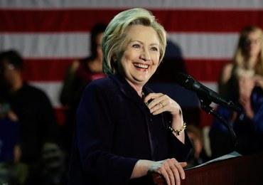 """Hillary Clinton chce wciągnąć męża ponownie do polityki. """"On wie, jak to robić"""""""