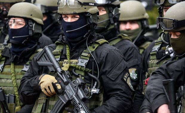 Przyjęcie ustawy antyterrorystycznej, która miała zacząć obowiązywać od 1 czerwca, prawdopodobnie zostanie opóźnione. Jak ustalił dziennikarz RMF FM Tomasz Skory, mimo że dokument został uchwalony przez rząd już w ubiegły wtorek, trafił do Sejmu dopiero dziś o godz. 15.