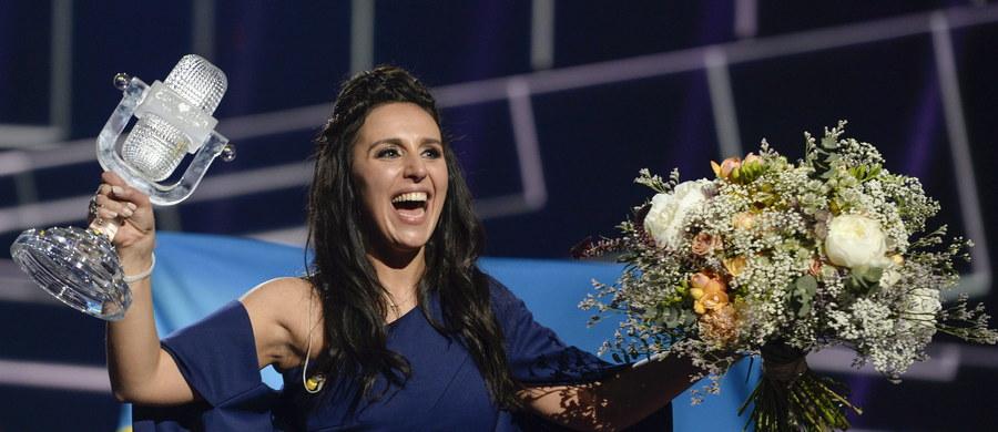 Prezydent Ukrainy Petro Poroszenko nadał piosenkarce Jamali, zwyciężczyni 61. konkursu Eurowizji w Sztokholmie, tytuł Bohatera Ukrainy. Szef państwa ocenił, że jej sukces ma ogromne znaczenie dla Ukraińców i Tatarów na zajętym przez Rosję Krymie.