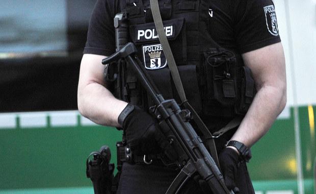 Berlińska policja poinformowała, że podczas zakończonego wczoraj ulicznego Festiwalu Kultur w Berlinie doszło do napaści seksualnych na kobiety. Poszkodowane zeznały, że były napastowane przez młodych mężczyzn o południowym wyglądzie.